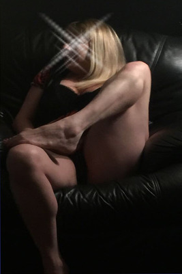 Shelly (38) Escort